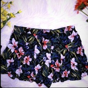 Hollister Skort Shorts Skirt Floral Green Pink L